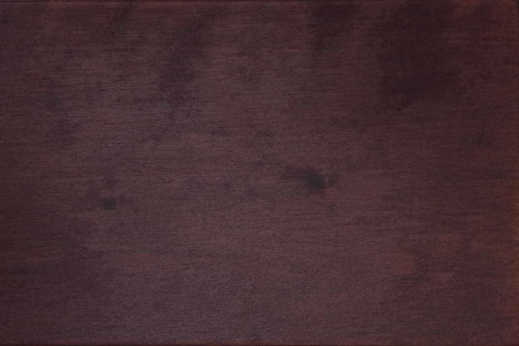 Birke orientfarbig gebeizt und lackiert