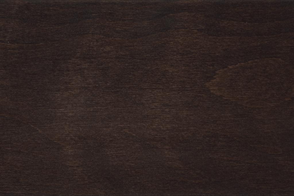 Buche nussbaumfarbig gebeizt und lackiert